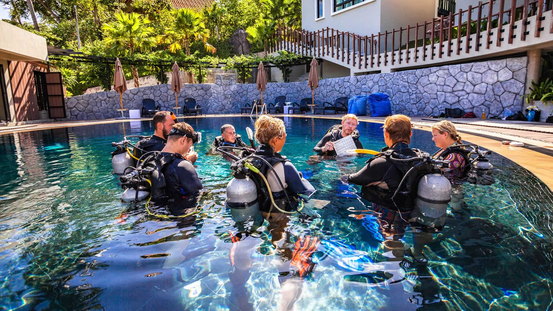 Offering pro courses from<br />  <strong>Divemaster Training</strong><br />  to.....